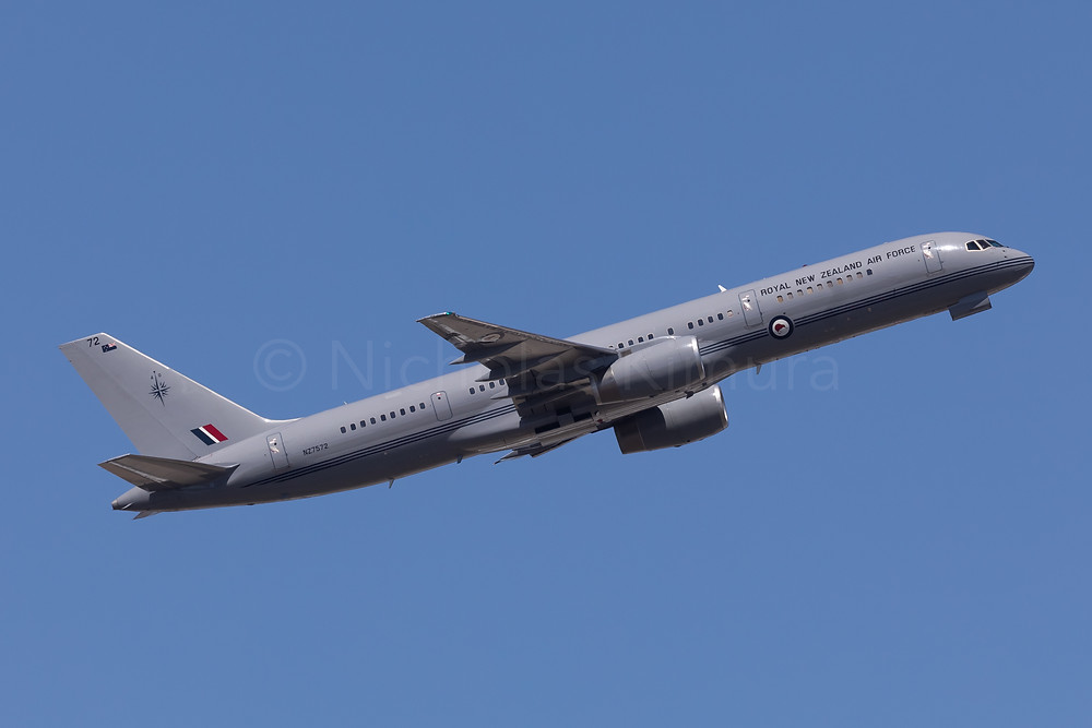 Royal New Zealand Air Force B752 NZ7572