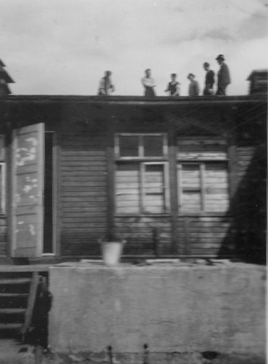 Kapfenberg camp, fixing the roof 1949