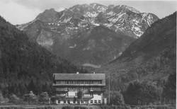 Ebanesse Summer Camp, Steinogel Hotel