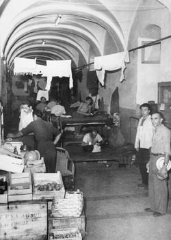Gesuiti camp, market in the corridor 1950-51