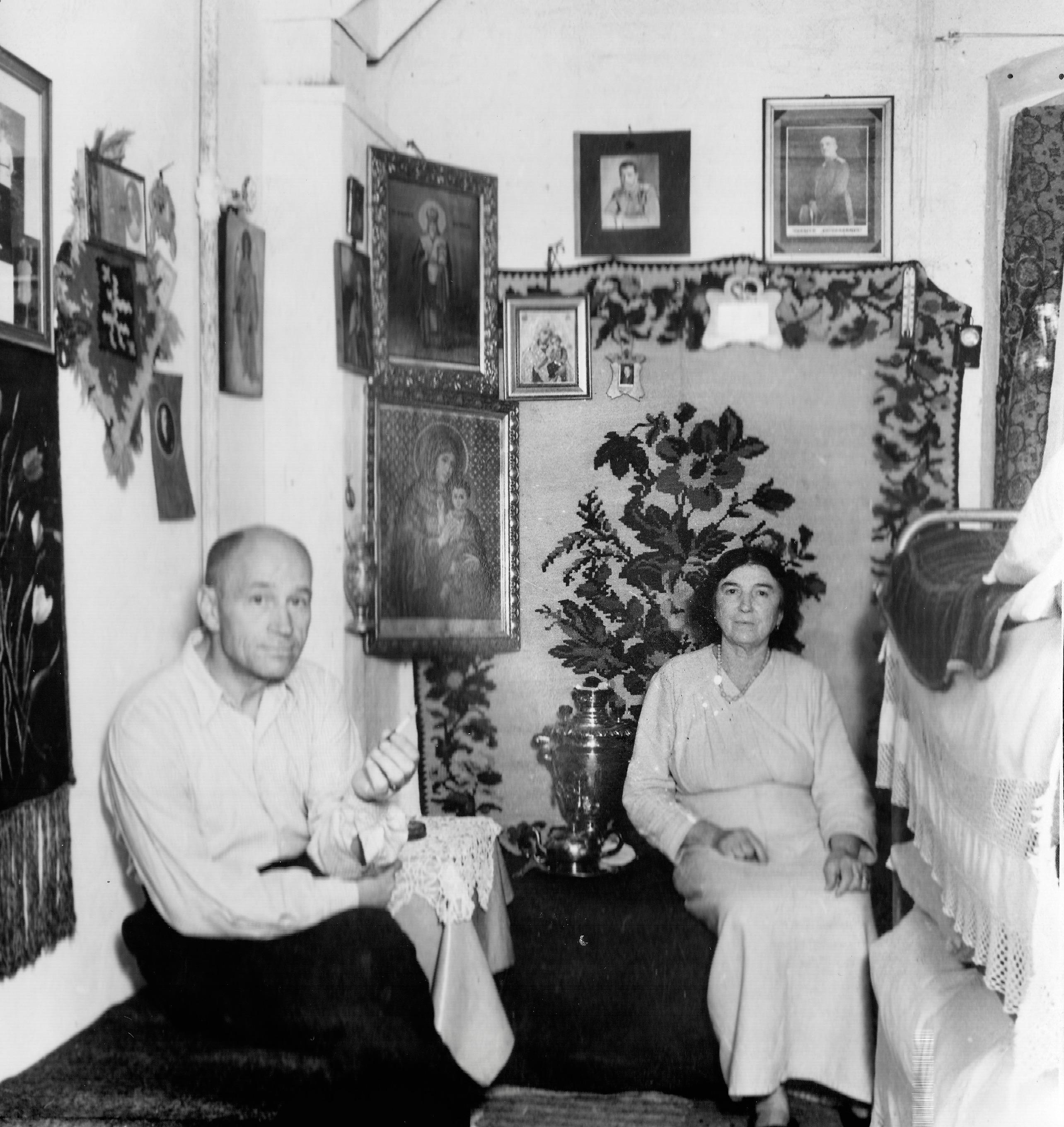 San Sabba, Sacha & Ikons, a Russian cubicle 1950-51