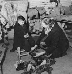 San Sabba shoe distribution, Clare McMurray with Slava 1950-51