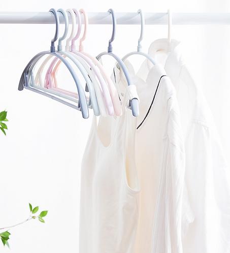 Móc nhựa thiết kế vòm giúp giữ form áo - M008-010