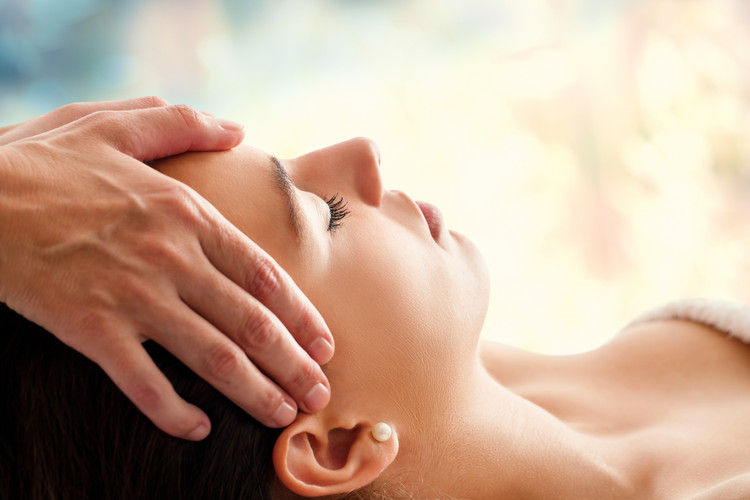 Relax with a lash nap and a facial massage