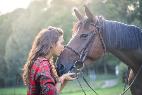 Ragazza con il cavallo