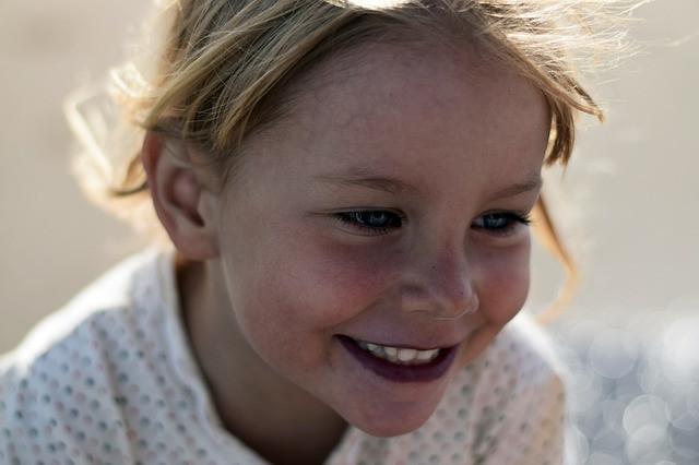 kind plezier genieten vrolijk