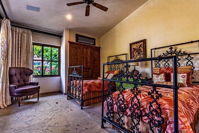 Casa Contessa - Twins Bedroom
