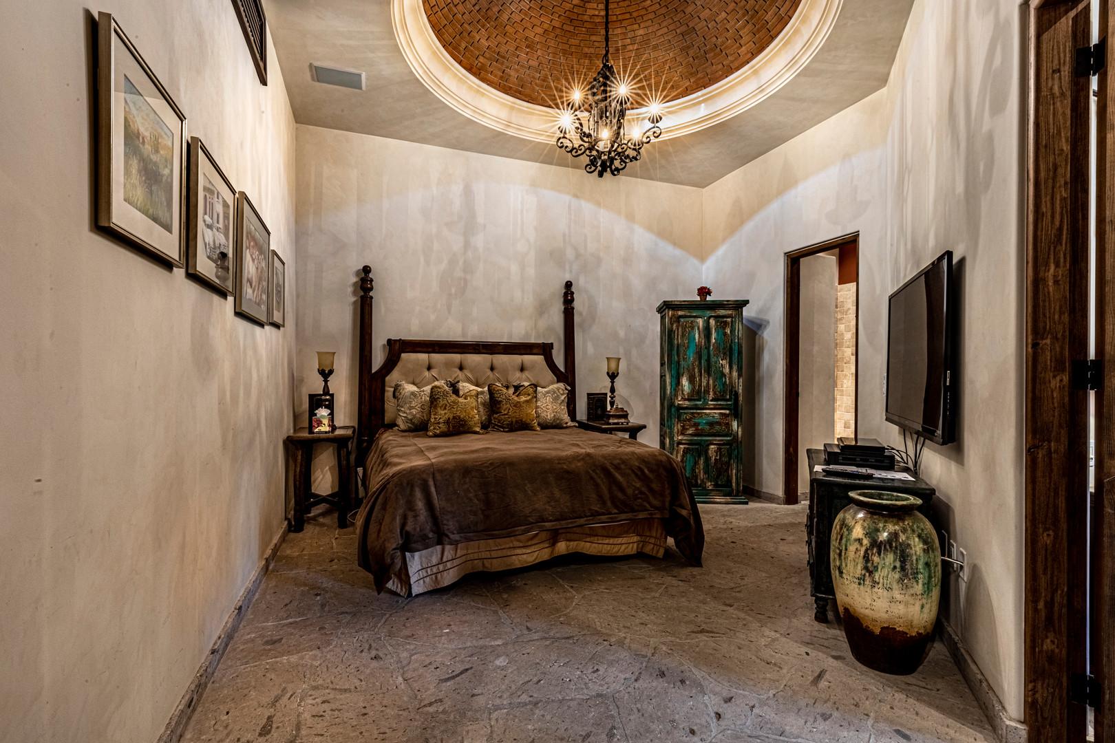Casa Contessa - Dome Bedroom