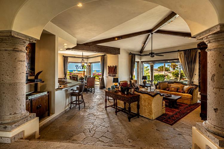 Casa Contessa - Entry & Foyer