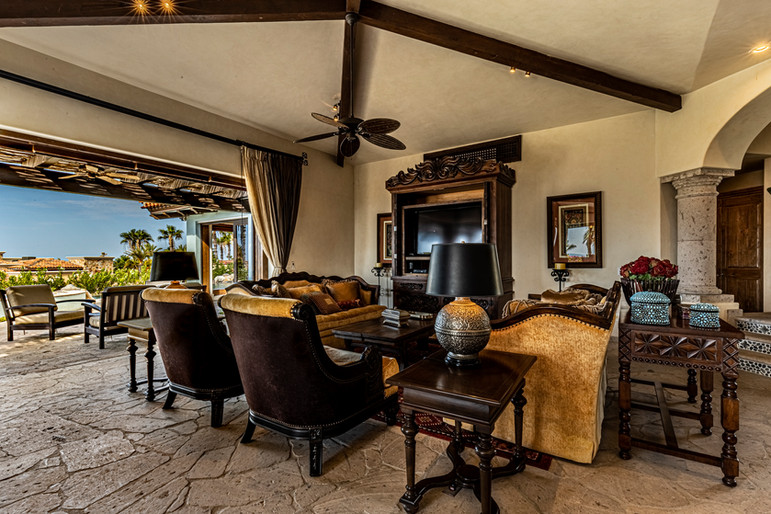 Casa Contessa - Living Room
