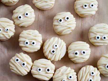Mummy Macaroons