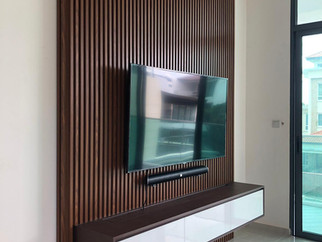 WOOD SLAT TV FEATURE WALL