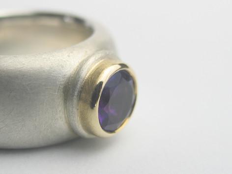 Ring Silber/Gelbgold mit Amethyst