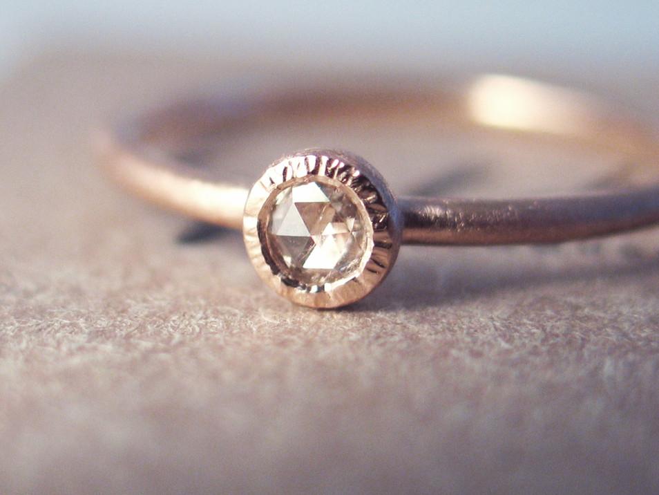 Verlobungsring Roségold mit Diamantrose