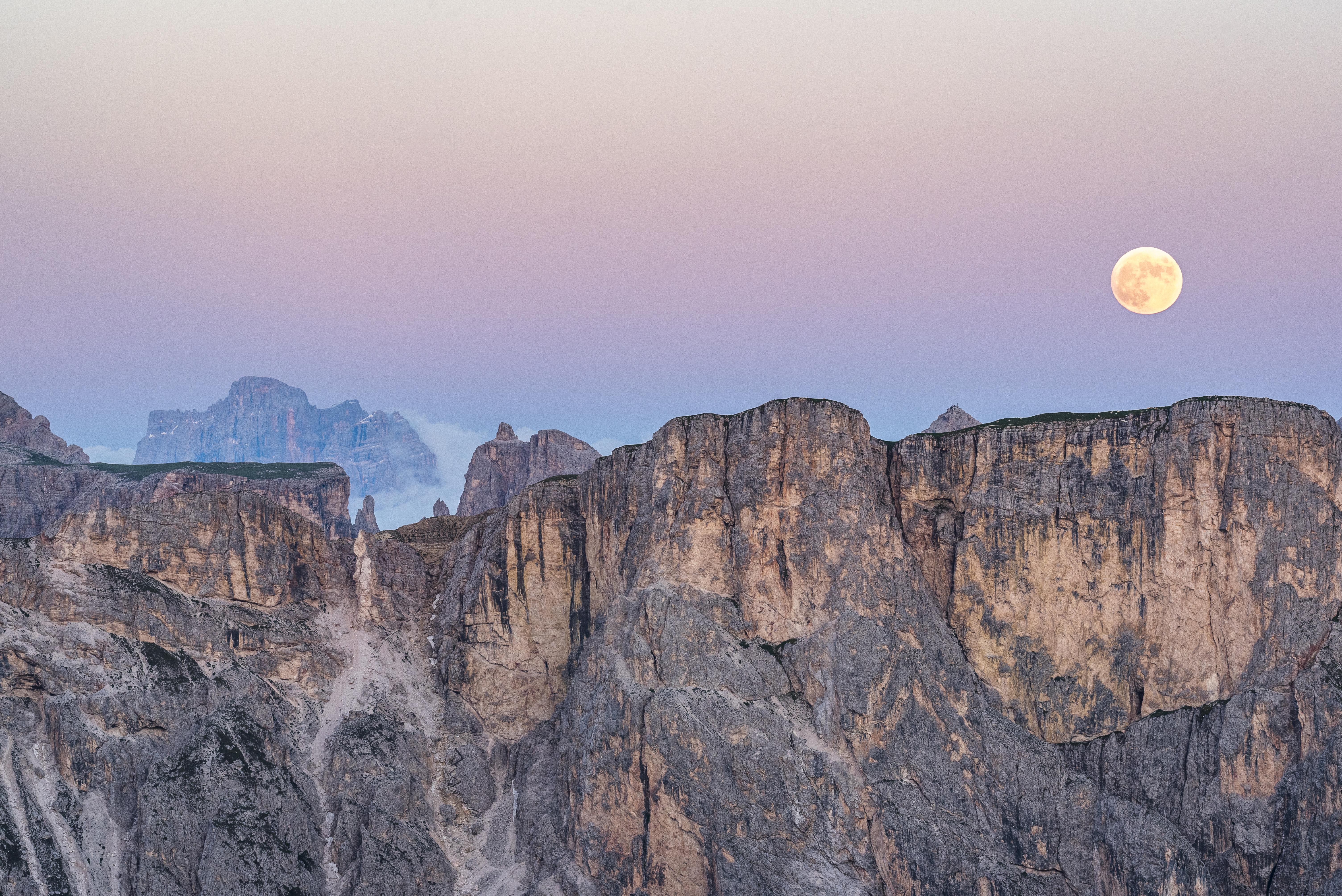 Lever de Lune sur Seceda