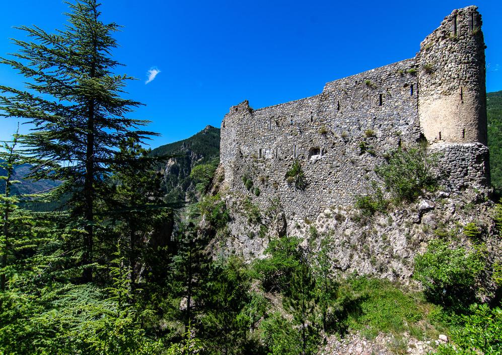 Chateau Reine Jeanne.jpg