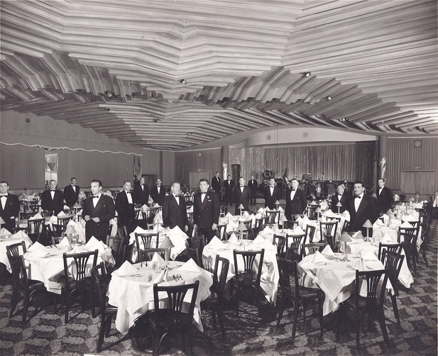 full room w waiters-1.jpg