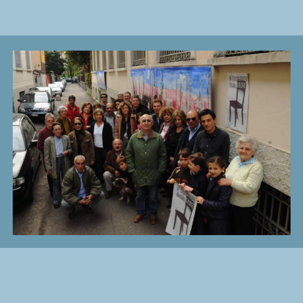 Un gruppo di cittadini residenti, del Comitato delle Sedie  .