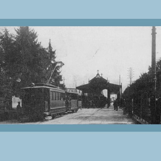 Anni '30 - Rimessa del tram 'La Gioconda' per il servizio funebre di Via Bramante (Cimitero Monumentale)