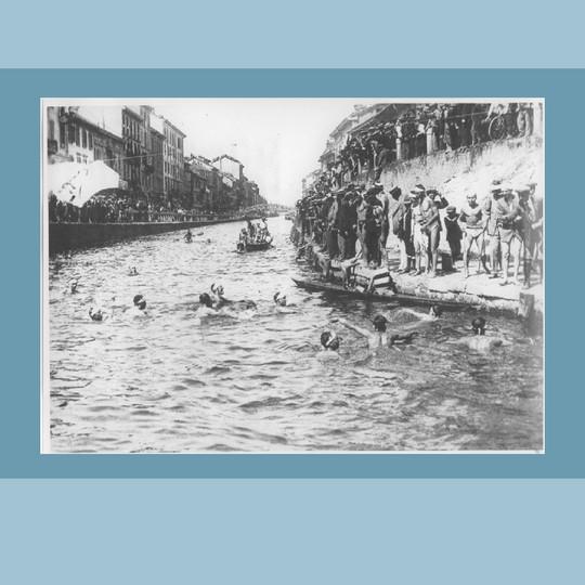 1913 – Gara di nuoto sul Naviglio Grande (Civico Archivio Fotografico, Milano)