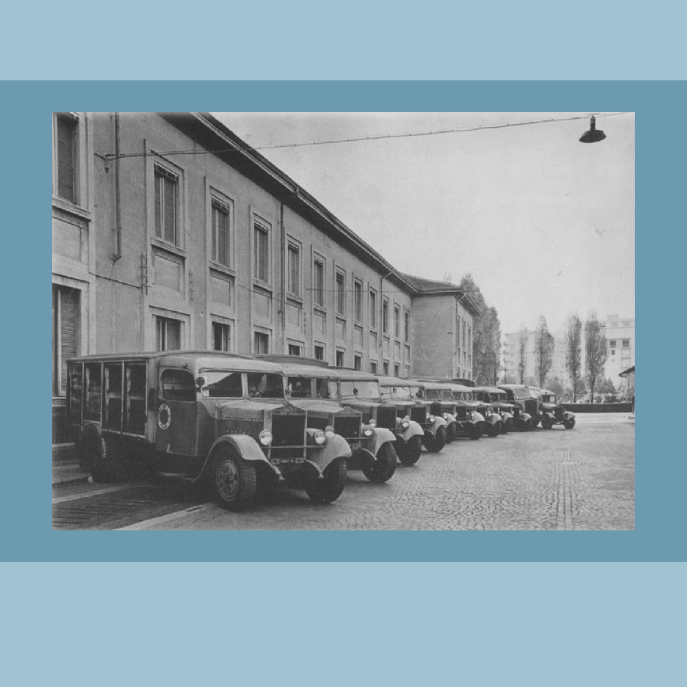 Anni '40-'50 – Automezzi per la distribuzione del latte.