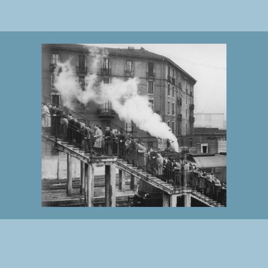 1952 – Rampa di accesso alla Stazione S. Luigi a Porta Romana (foto di Mario De Biasi).