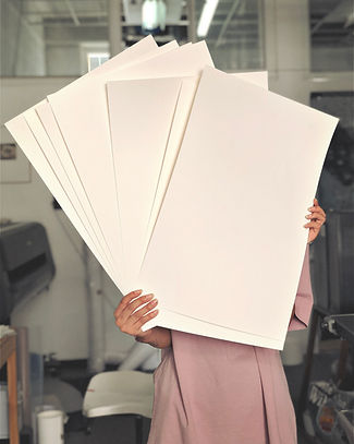 מגוון גדול של ניירות לדפוס הדיגיטלי