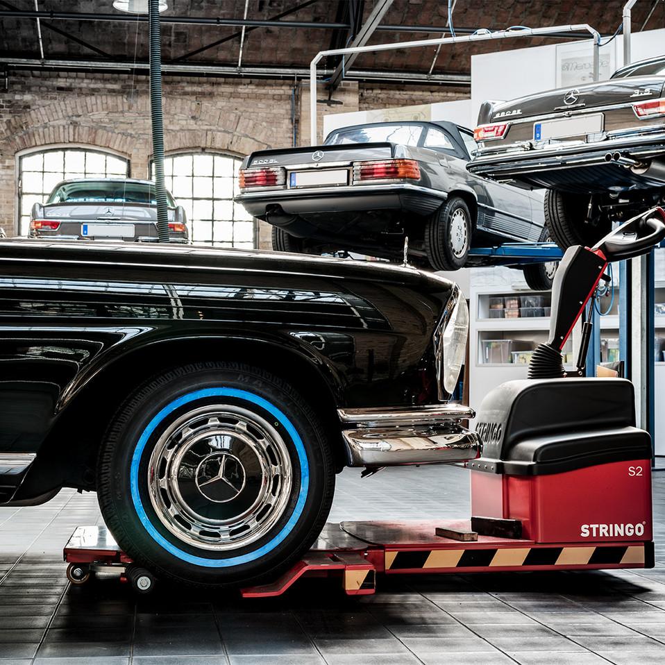 """Mercedes SL """"Pargode"""" im Classic Remise"""
