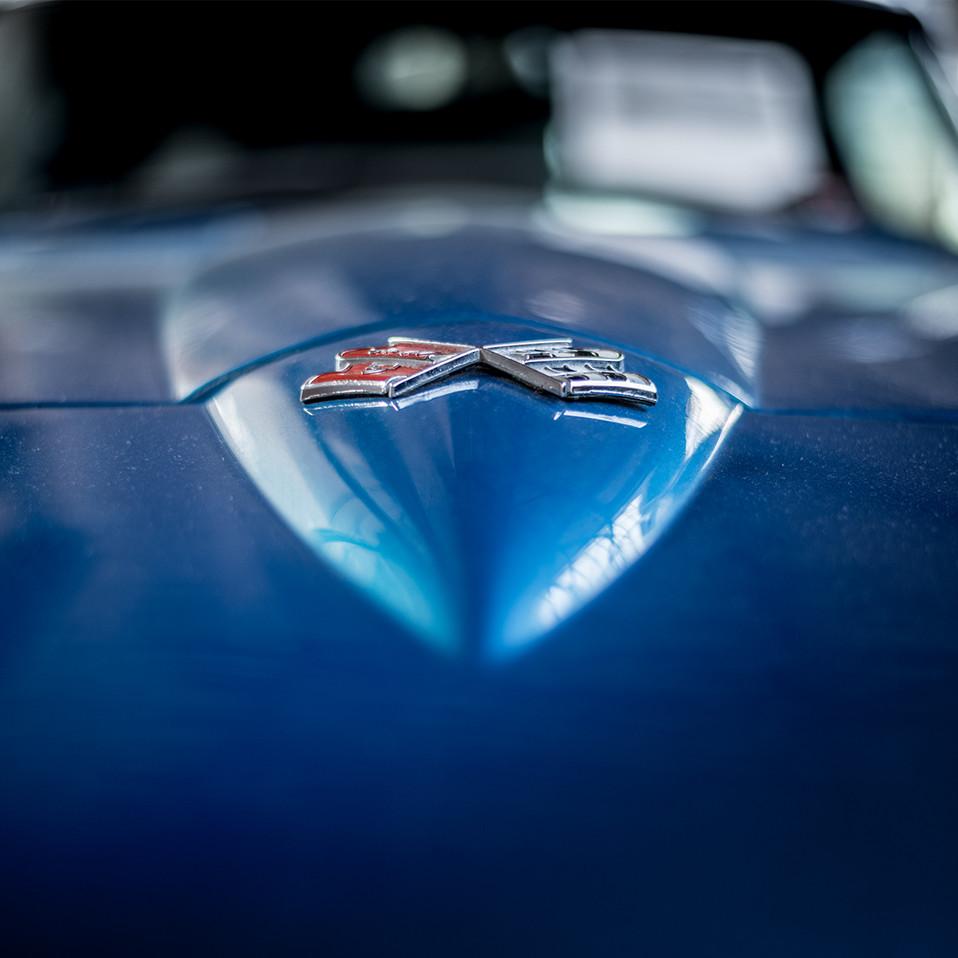 Chevrolet Corvette C2 Flags