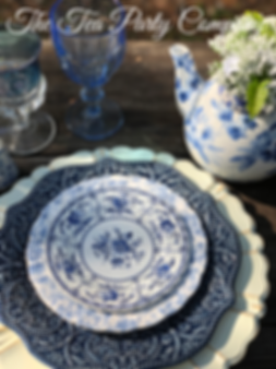 blues willow toile table setting from Th