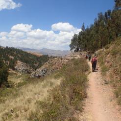 1564573346-acclimatisation-day-trekking.