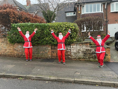 Galloway's santas raise £800!