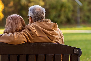 Picture of a retired couple sitting on a