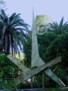 Hymne au soleil, acier soudé, 1991, (environ 2m) - Le Jardin de Palais Carnolès, Meton.