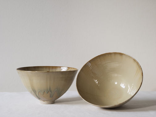Sand colored bowls. Stoneware. 18x11