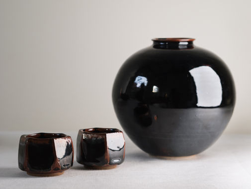 Tenmoku vase and cups. Stoneware. 17h; 7x5