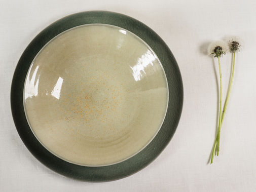Table set. Stoneware. Dish 27cm; bowl 21x5