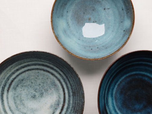 Small cups in different shades of blue. Stoneware. 11x5