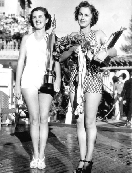 Bonnie Edwards, Miss Florida 1937, and runner-up Virginia Crawford