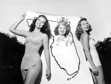 Eula Ann McGehee (center), Miss Florida 1947, with runners-up Laurel Norden and Nancy Stilley