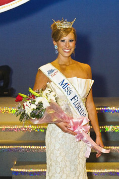 Rachael Todd is crowned Miss Florida 2009