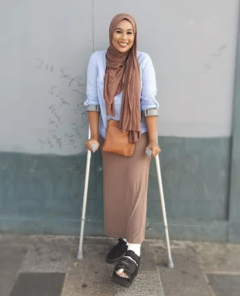 disability-influencer-cane