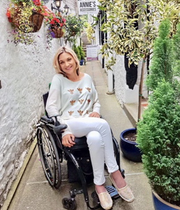 style-outdoors-nature-wheelchair-user