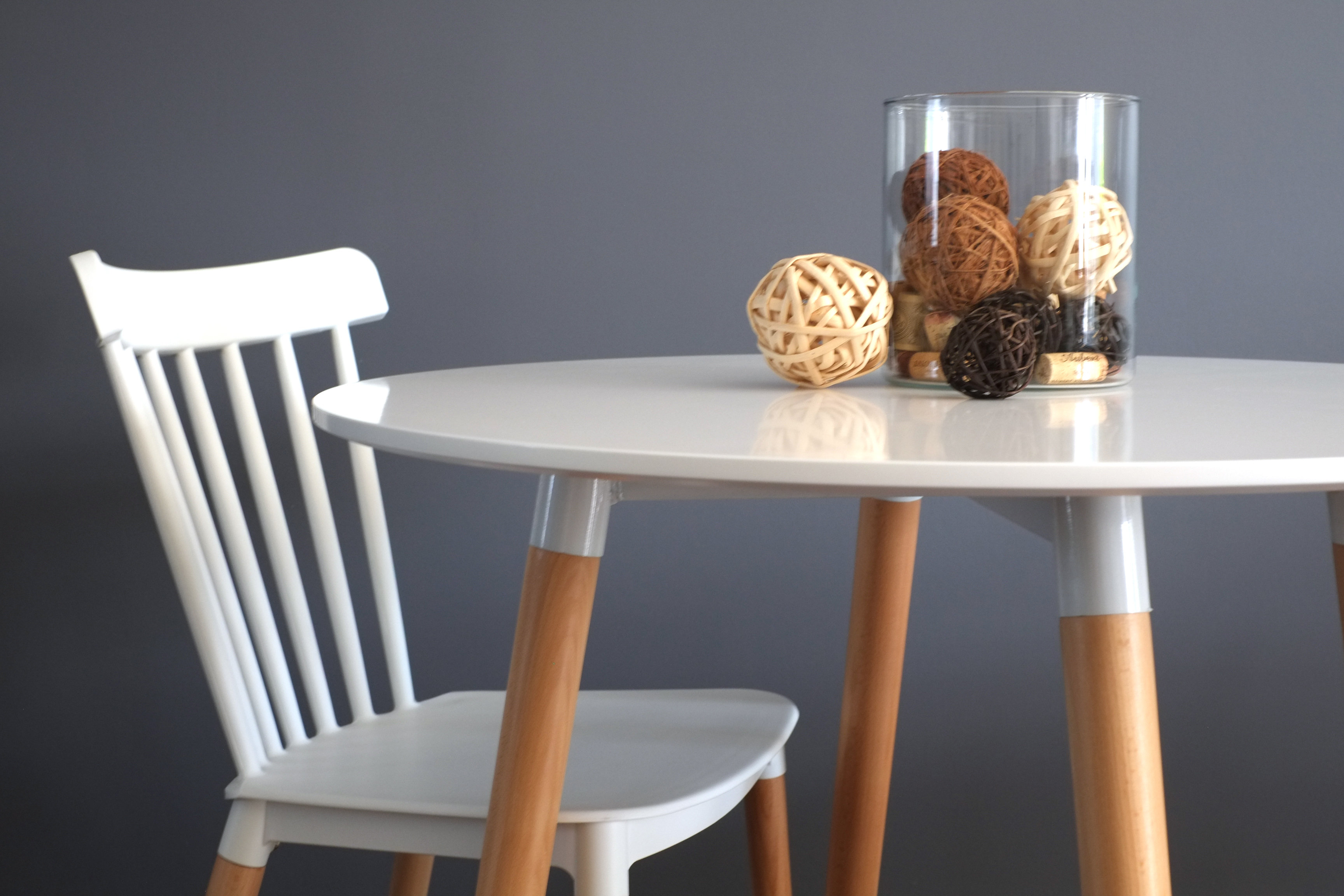 Inspirer Studio 4 Legs Kitchen Dining Table White Round Coffee