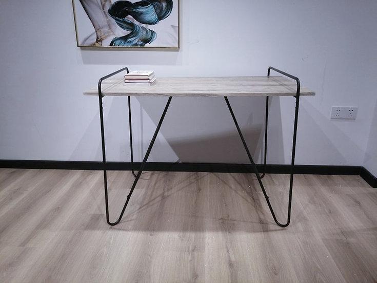 Inspirer Studio Office Desk with Black Hairpin Legs