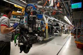 El sector del automóvil de UGT FICA reclama más interés hacia la industria automovilística en España