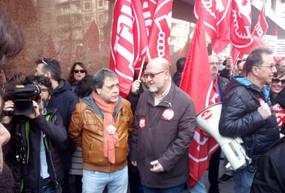 UGT-FICA Madrid frente a la sede de la CEOE