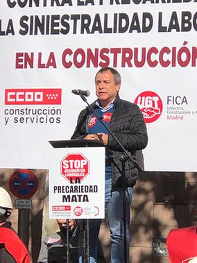 UGT FICA Madrid y CCOO de Construcción se concentran ante la Asamblea de Madrid
