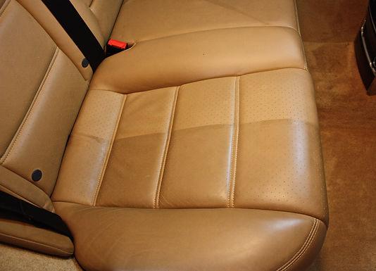 Traitement cuirs Audi 06 nettoyage Antibes Hyeres Mougins Cannes
