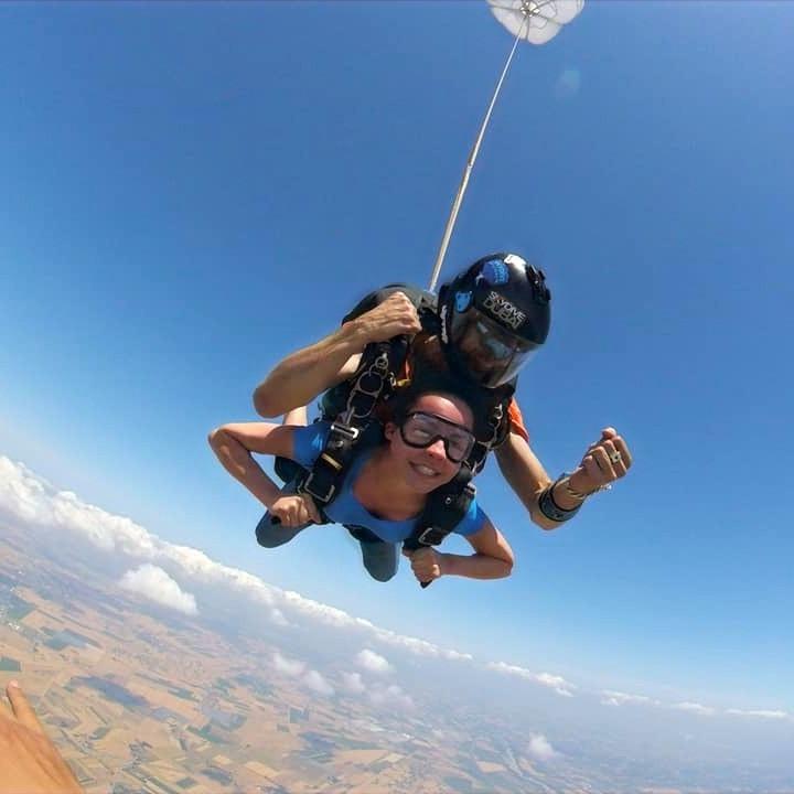 lancio-paracadute-novi-ligure.jpg